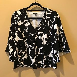 Black and White Floral print top